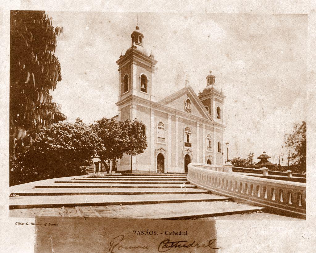Catedral de Manaus na Praça da Matriz