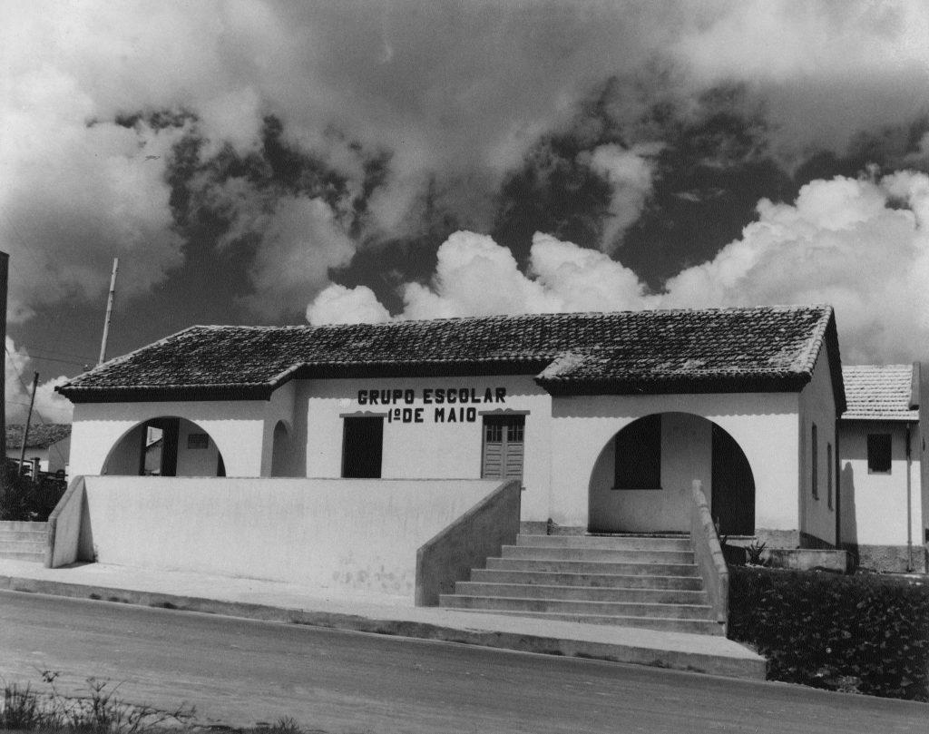 Grupo Escolar 1º de Maio - Instituto Durango Duarte