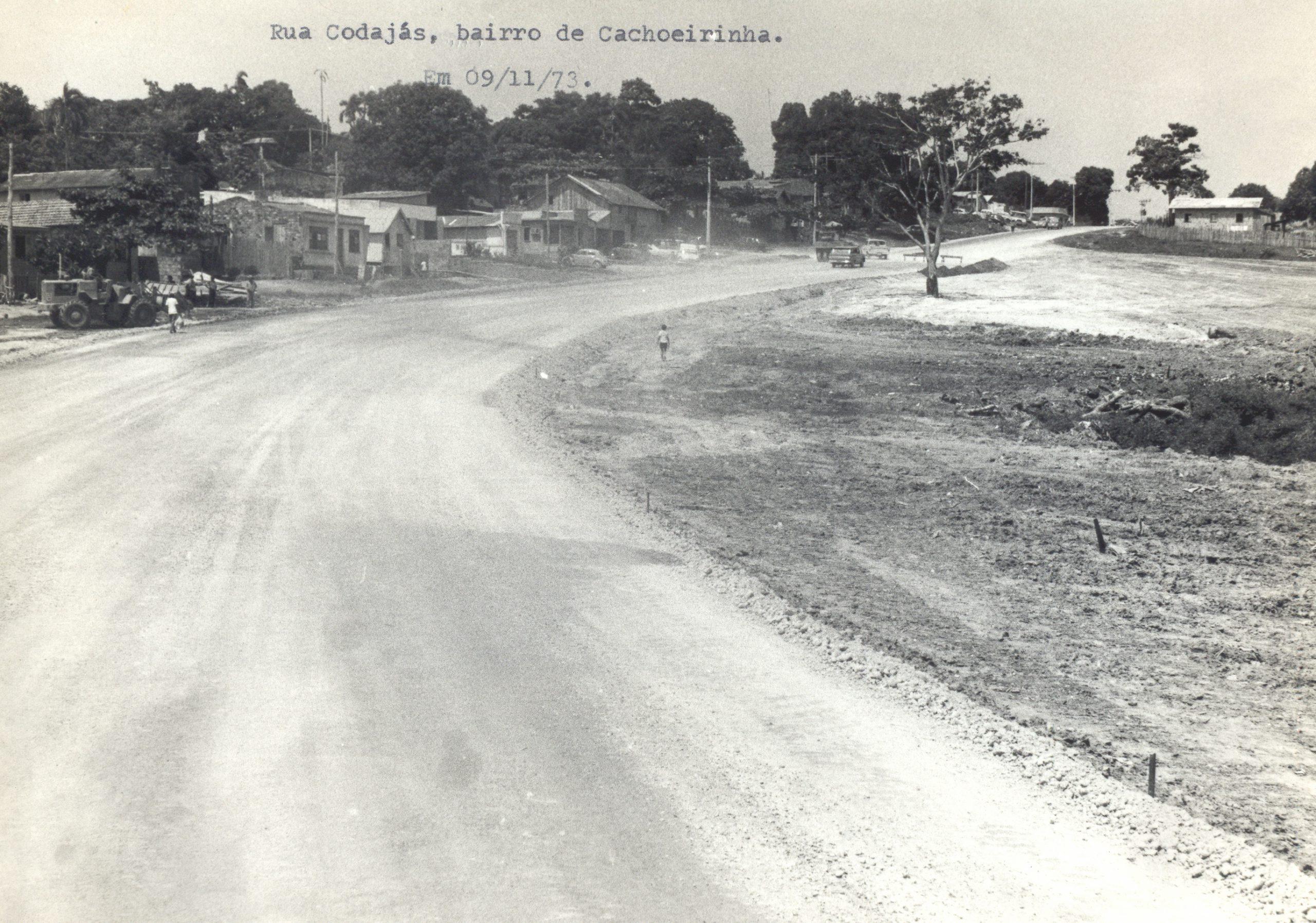 Rua Codajás sendo preparada para asfaltamento - IDD
