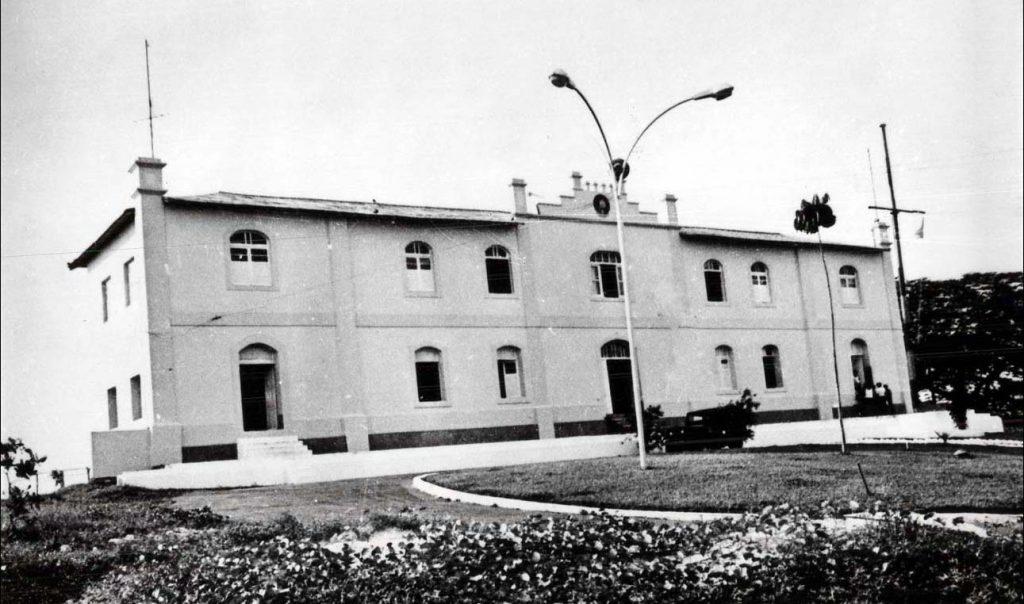 Prédio antigo na Ilha de São Vicente - Instituto Durango Duarte