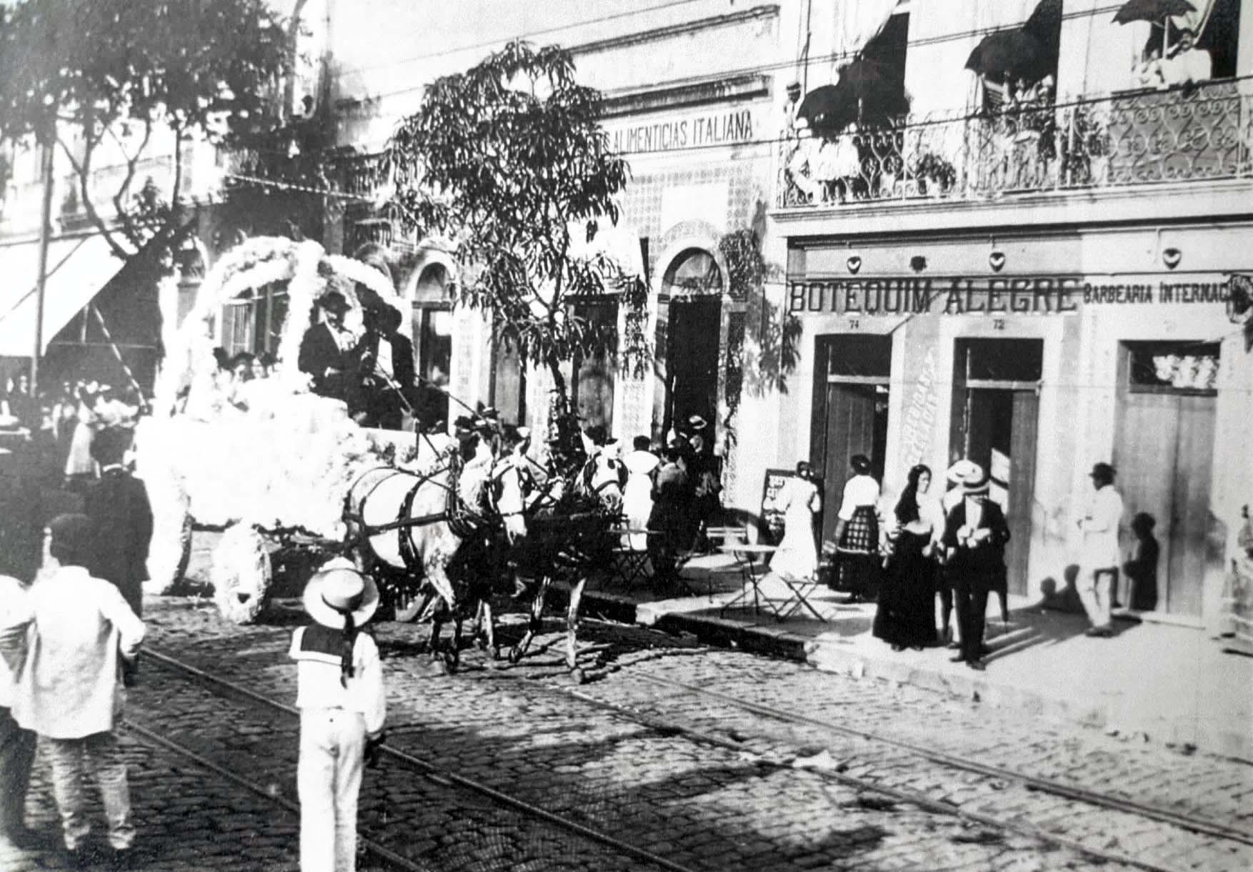 Memória de carnaval na Eduardo Ribeiro - Instituto Durango Duarte