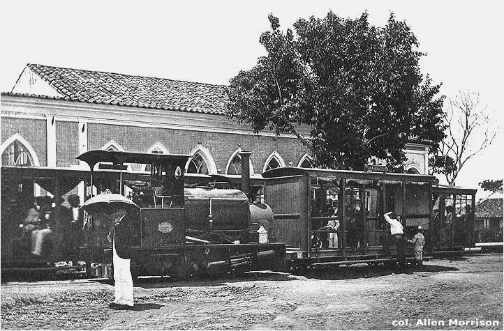 Locomotiva à vapor da Viação Suburbana - Instituto Durango Duarte