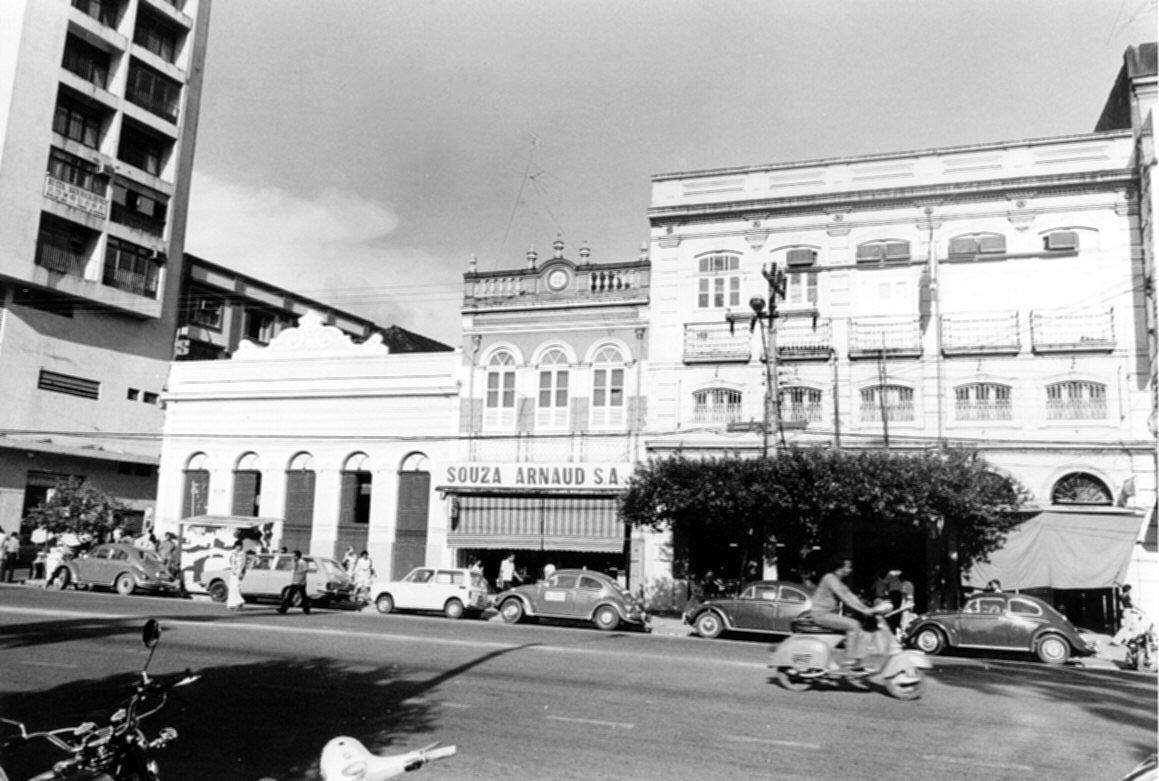Prédios na Avenida Eduardo Ribeiro - Instituto Durango Duarte