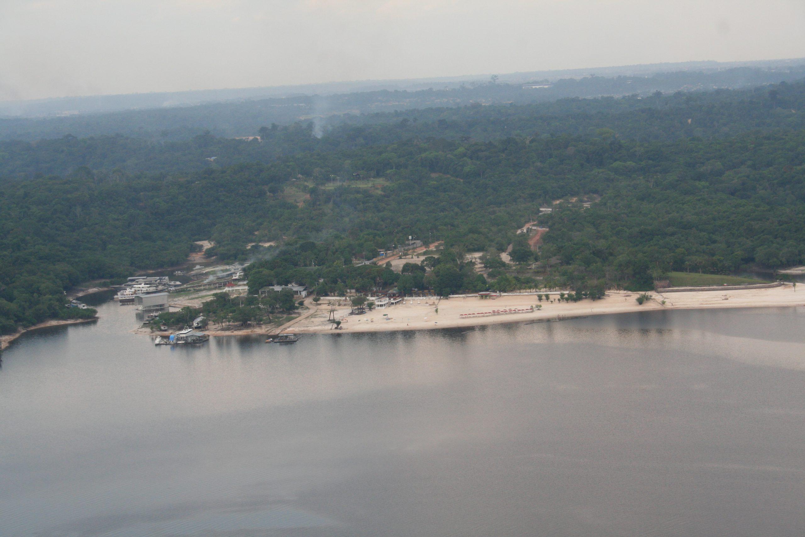 Fotografia aérea da Praia Dourada - Instituto Durango Duarte 2007