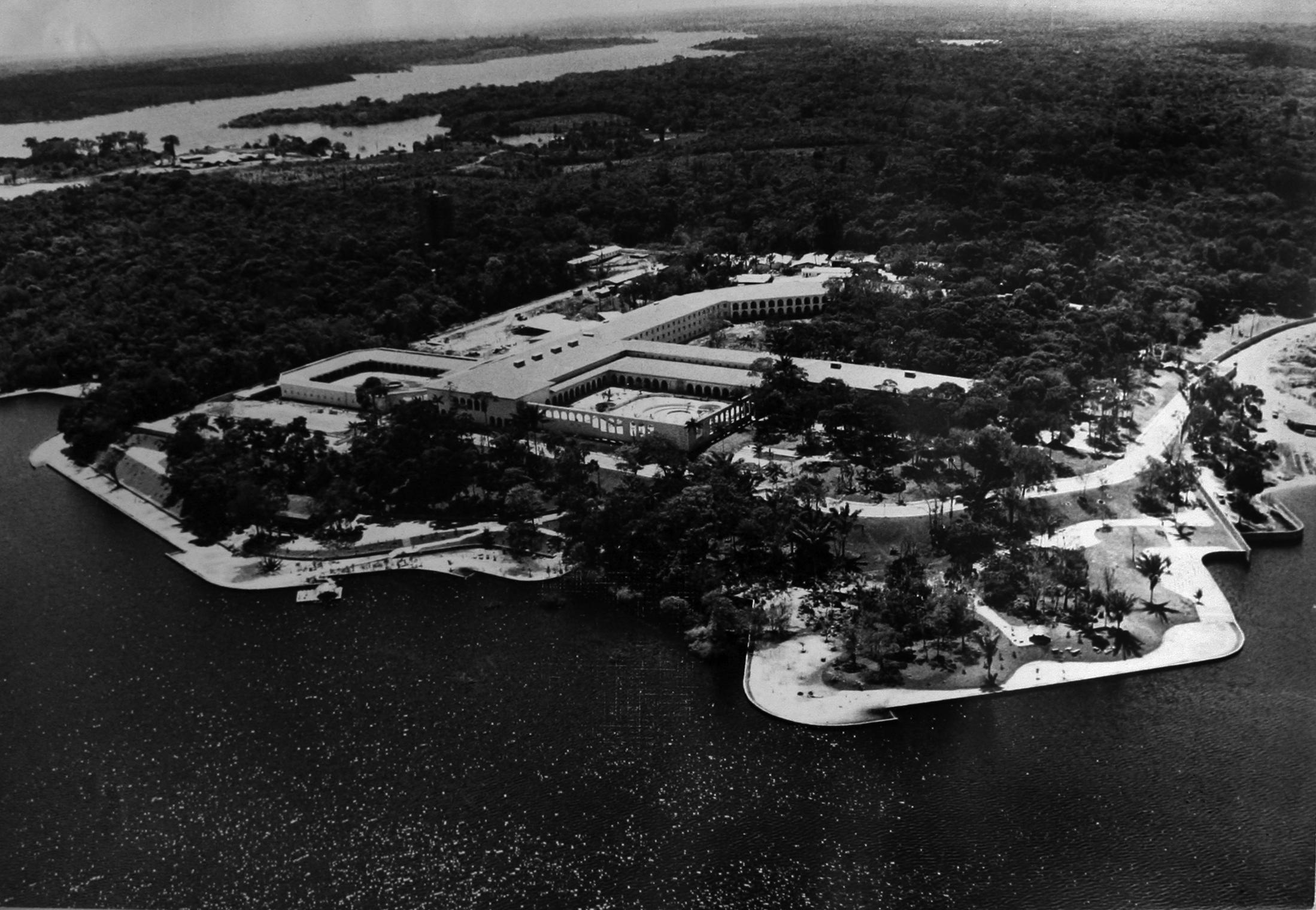 Vista aérea do Hotel Tropical de Manaus - Instituto Durango Duarte