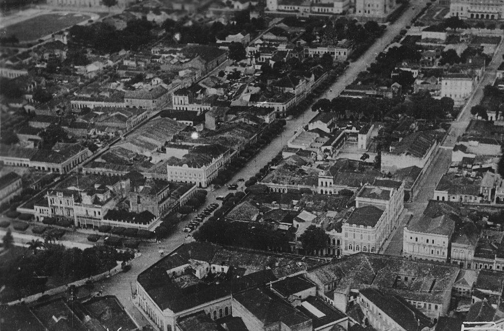 Vista aérea da avenida Eduardo Ribeiro