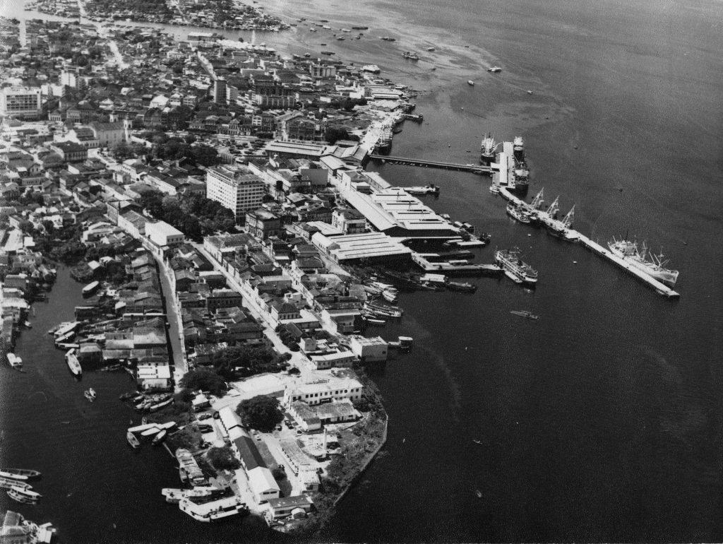 Vista aérea do Porto de Manaus e Ilha de São Vicente