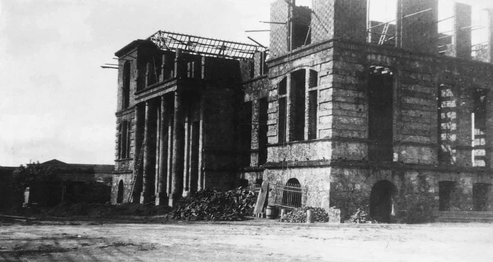 Construção do Colégio Dom Bosco na década de 1920 - IDD
