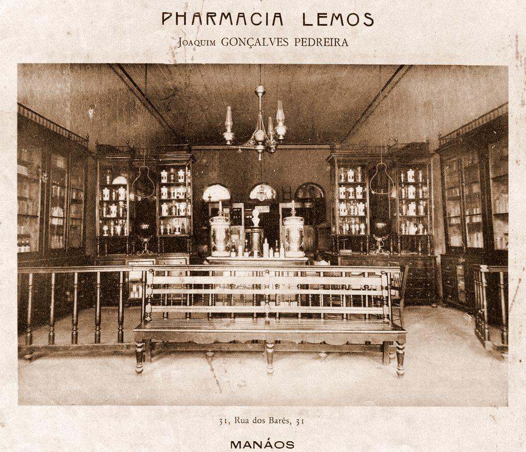 Interior da Farmácia Lemos