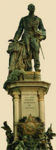 Durango Duarte - Estátua de Tenreiro Aranha
