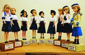 Durango Duarte - Bonecas expostas no hall de entrada do IEA