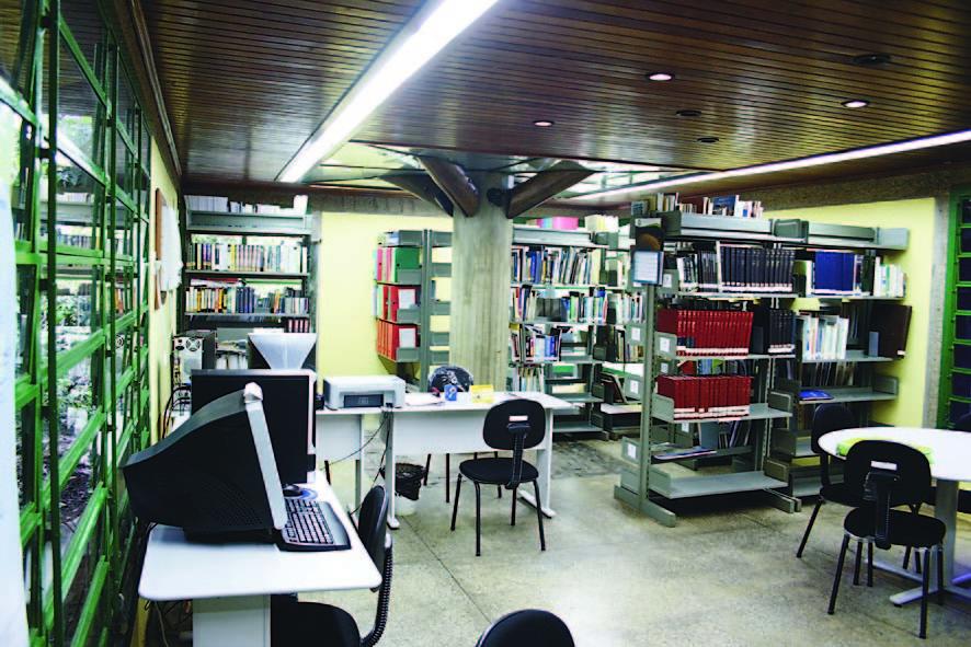 Interior da Biblioteca Ambiental do Parque do Mindu
