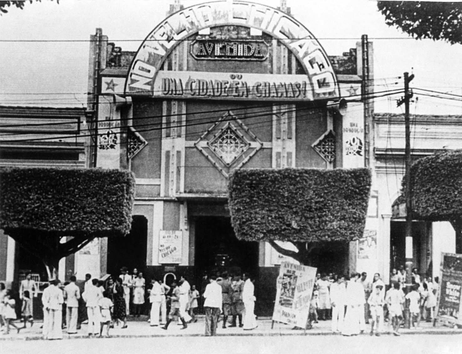 Cinema Avenida na Avenida Eduardo Ribeiro