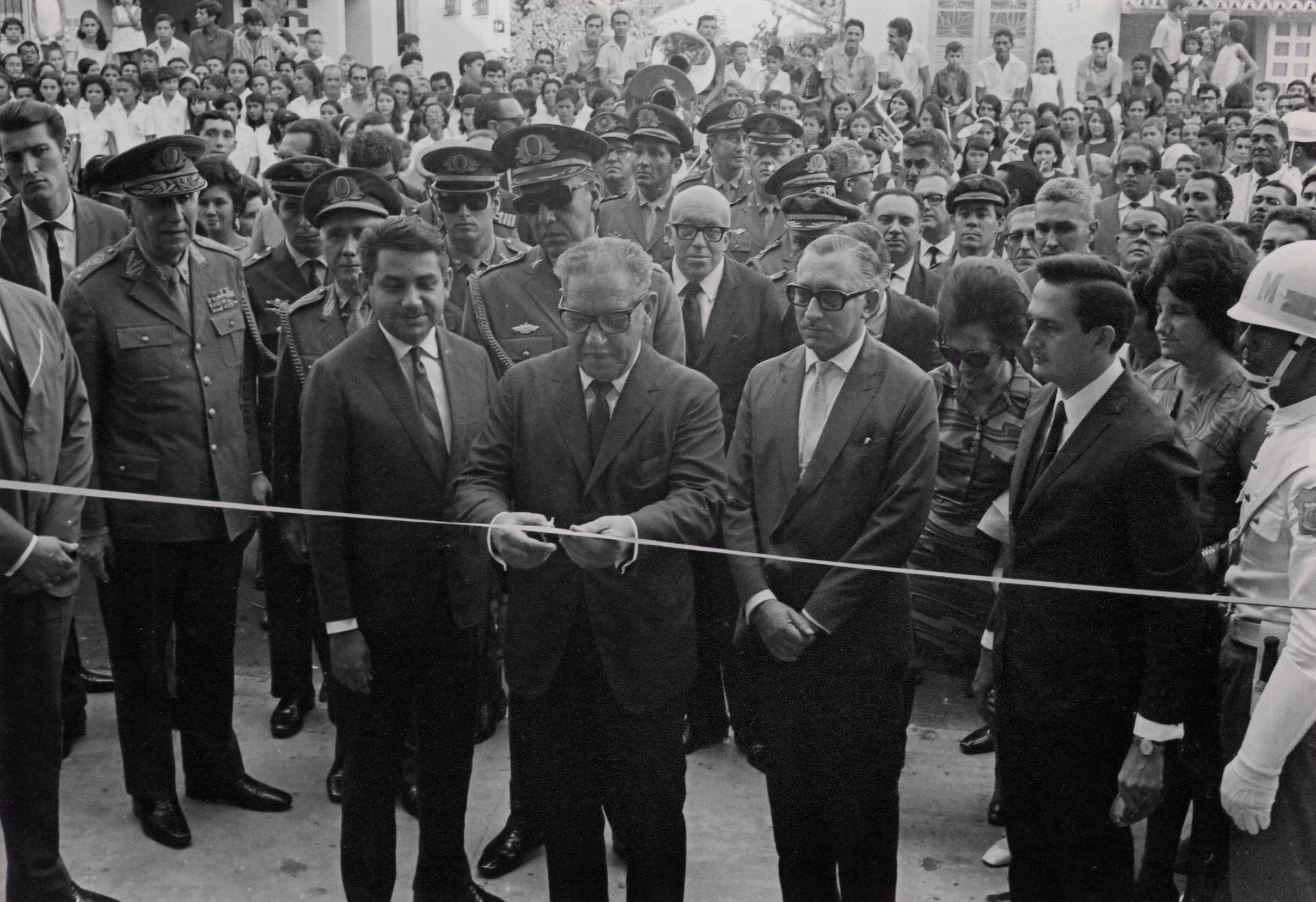 Inauguração do Colégio Castelo Branco - Instituto Durango Duarte