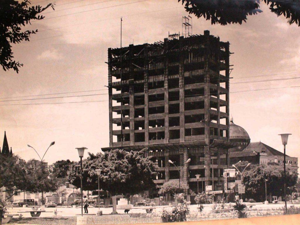 Construção do Edifício Maximino Corrêa