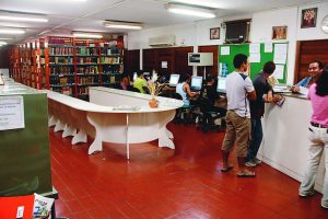 Durango Duarte - Espaço interno da Biblioteca do Inpa