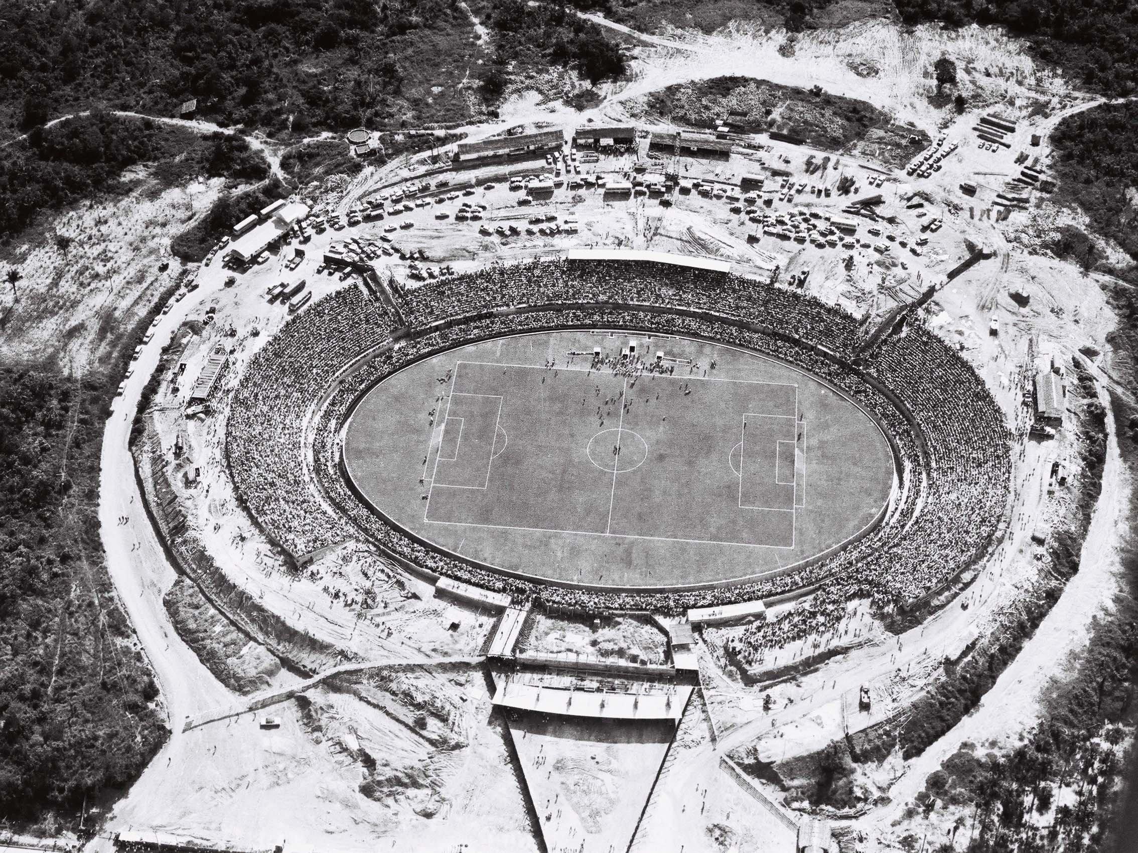 Jogo de inauguração do Estádio Vivaldo Lima - Instituto Durango Duarte