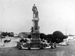 Durango Duarte - Monumento em homenagem à Tenreiro Aranha