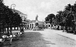 Monumento na Praça Tenreiro Aranha - Instituto Durango Duarte
