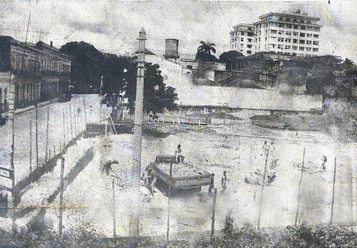 Demolição da antiga agência do Banco do Brasil