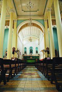 Durango Duarte - Nave central da Igreja dos Remédios