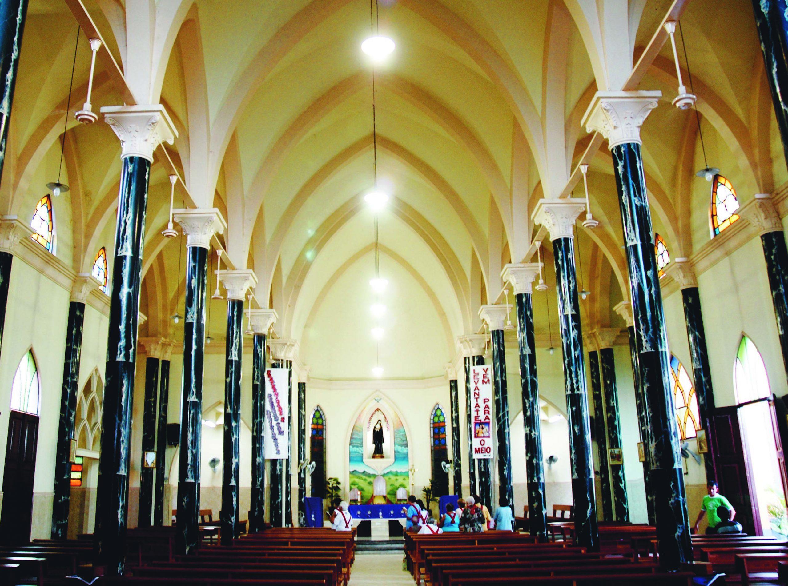 Nave Central da Igreja de Santa Rita de Cássia em Cachoeirinha