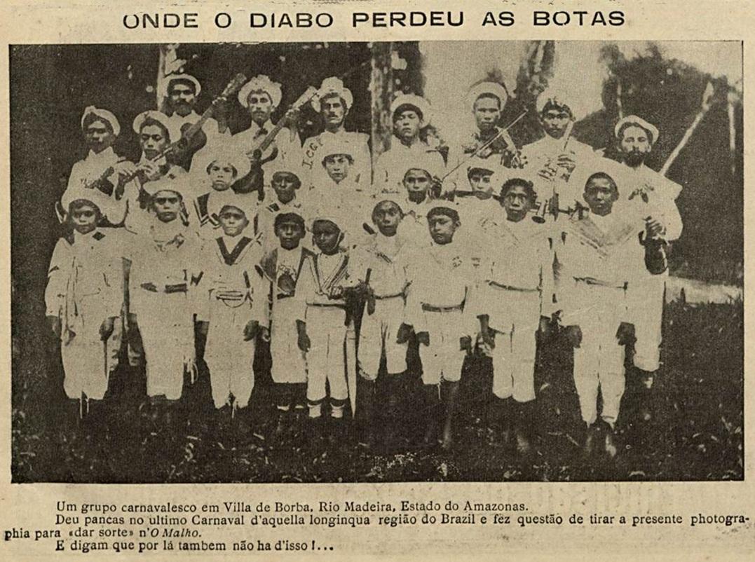 Grupo carnavalesco na Vila de Borba