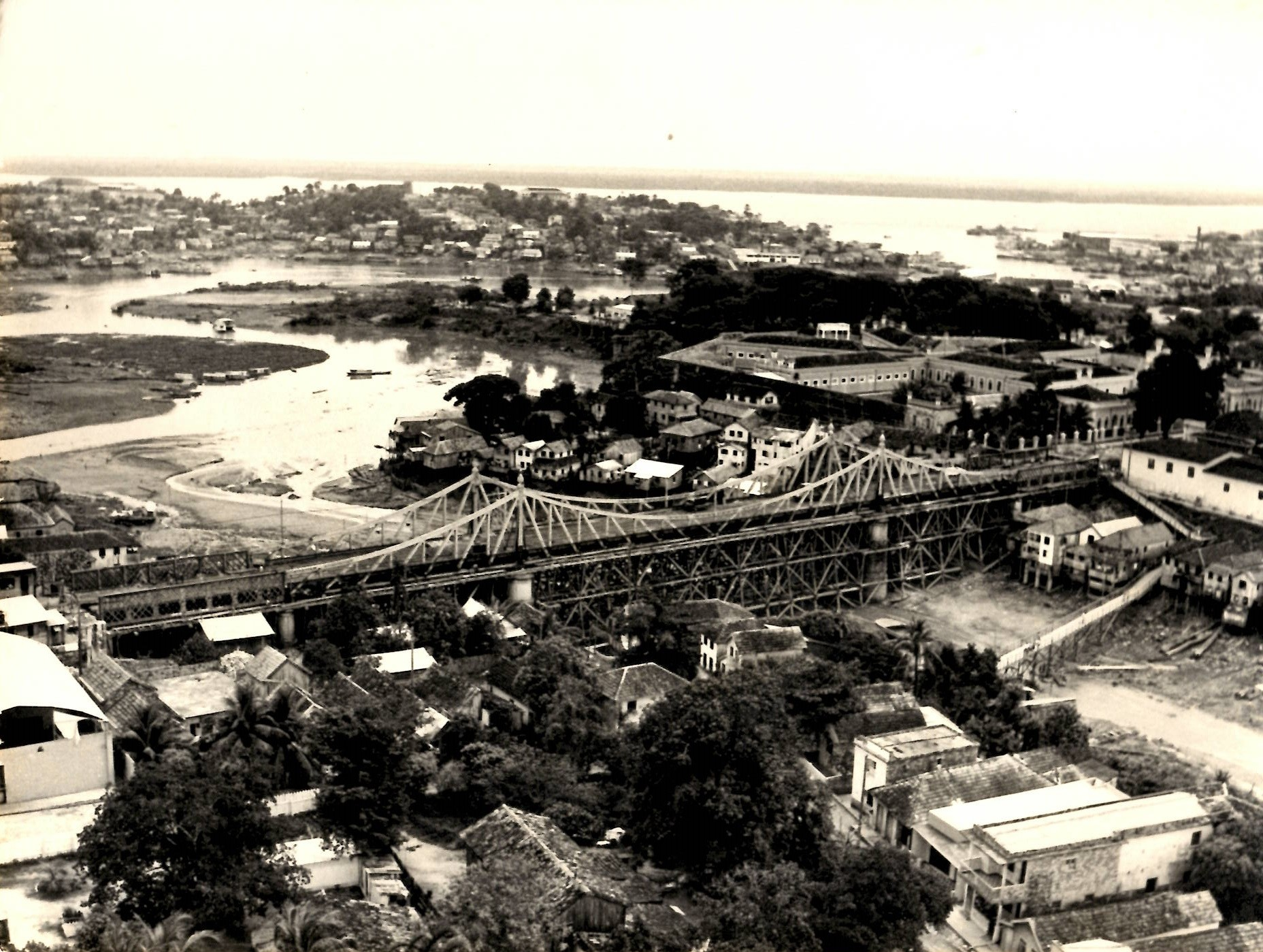 Fotografia aérea da Ponte Benjamin Constant - Instituto Durango Duarte