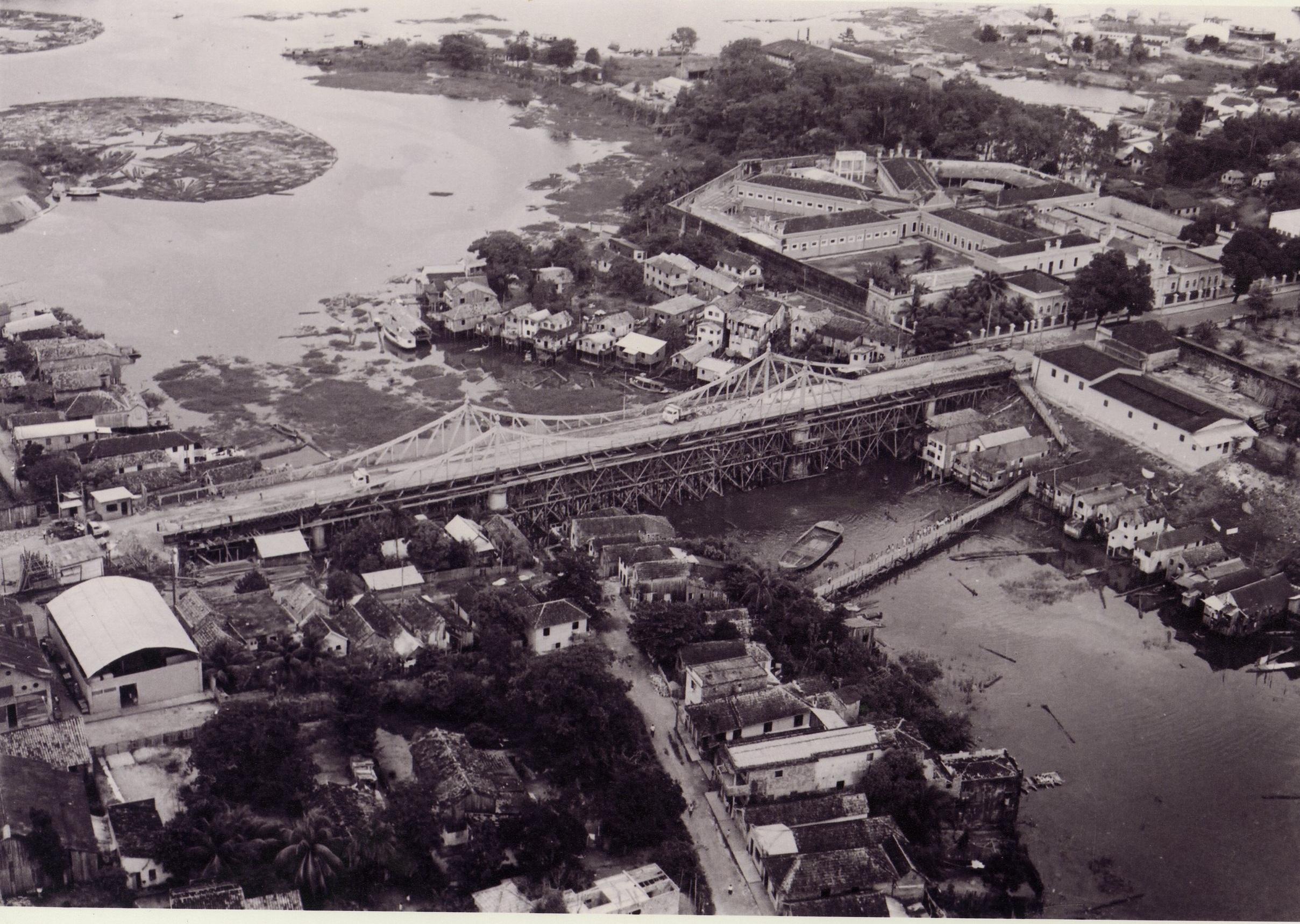 Ponte Benjamin Constant e Rua General Glicério - IDD