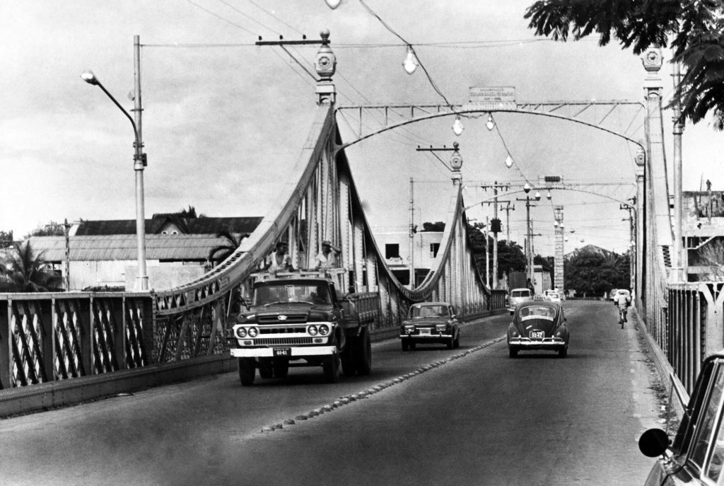 Imagens da Ponte Benjamin Constant ou Ponte Metálica