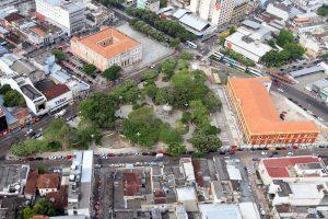 Vista Aérea da Praça Heliodoro Balbi antes da Restauração