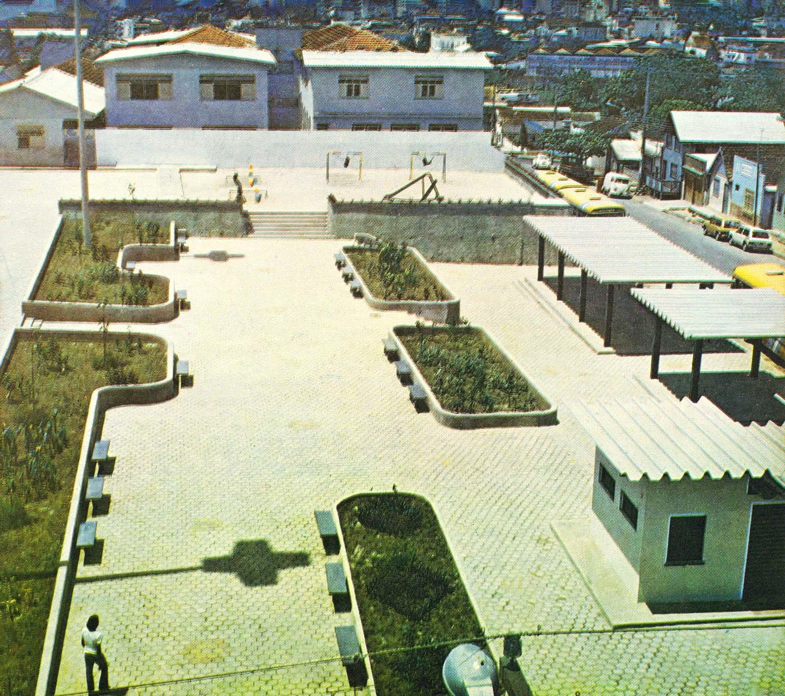 Praça António Plácido de Souza - Instituto Durango Duarte