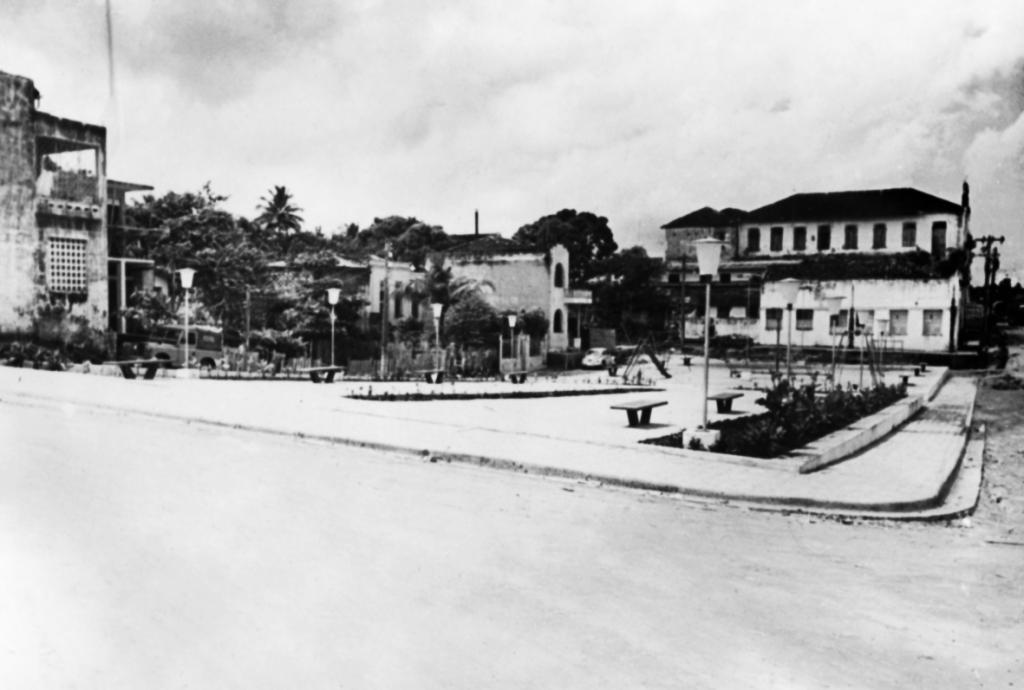Praça Francisco de Queiroz antiga Praça Ruy Araújo