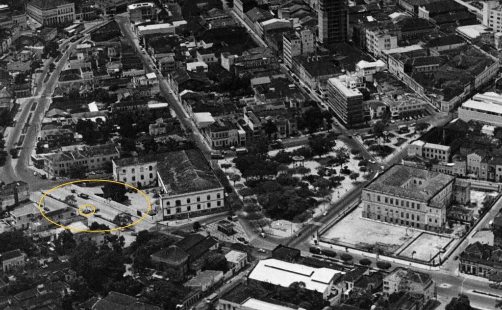 Vista aérea da Praça e Monumento a Ribeiro Júnior