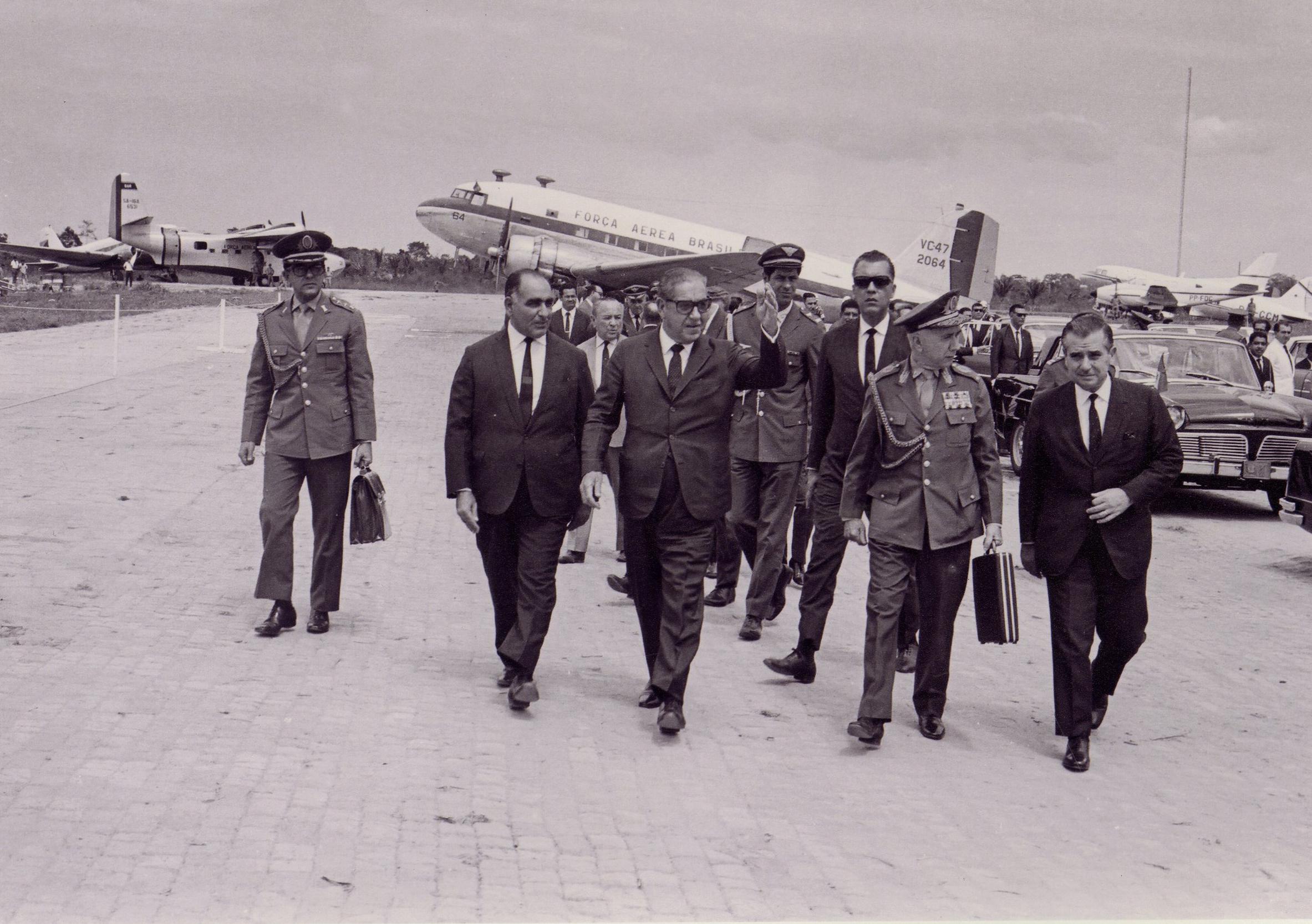 Presidente Costa e Silva - 1