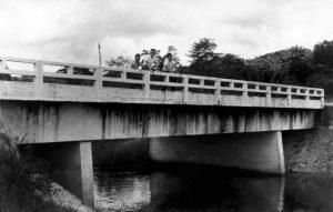 Durango Duarte - Primeira ponte de concreto construída no Mindu