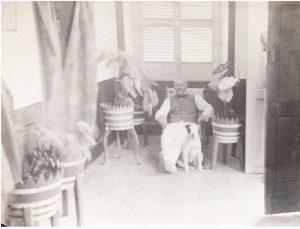 Théodore Lévy e seu cão - Instituto Durango Duarte