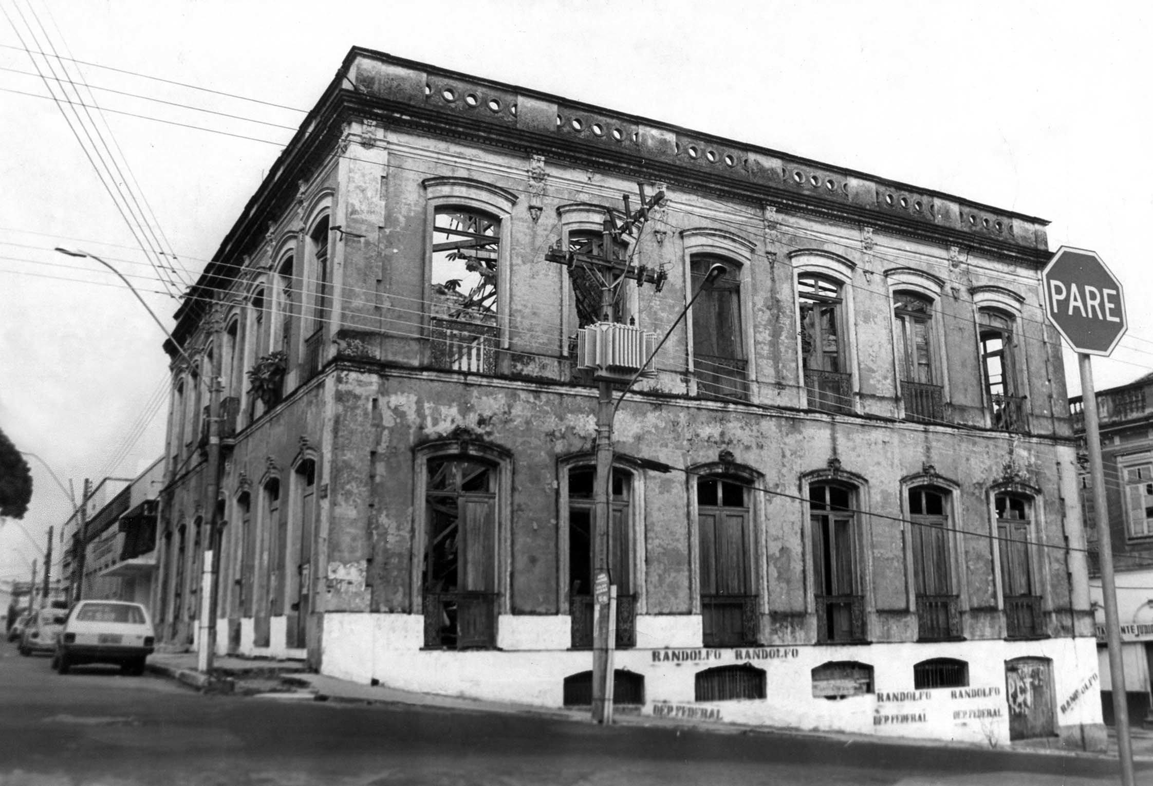 Vista das Ruínas do Antigo Hotel Cassina