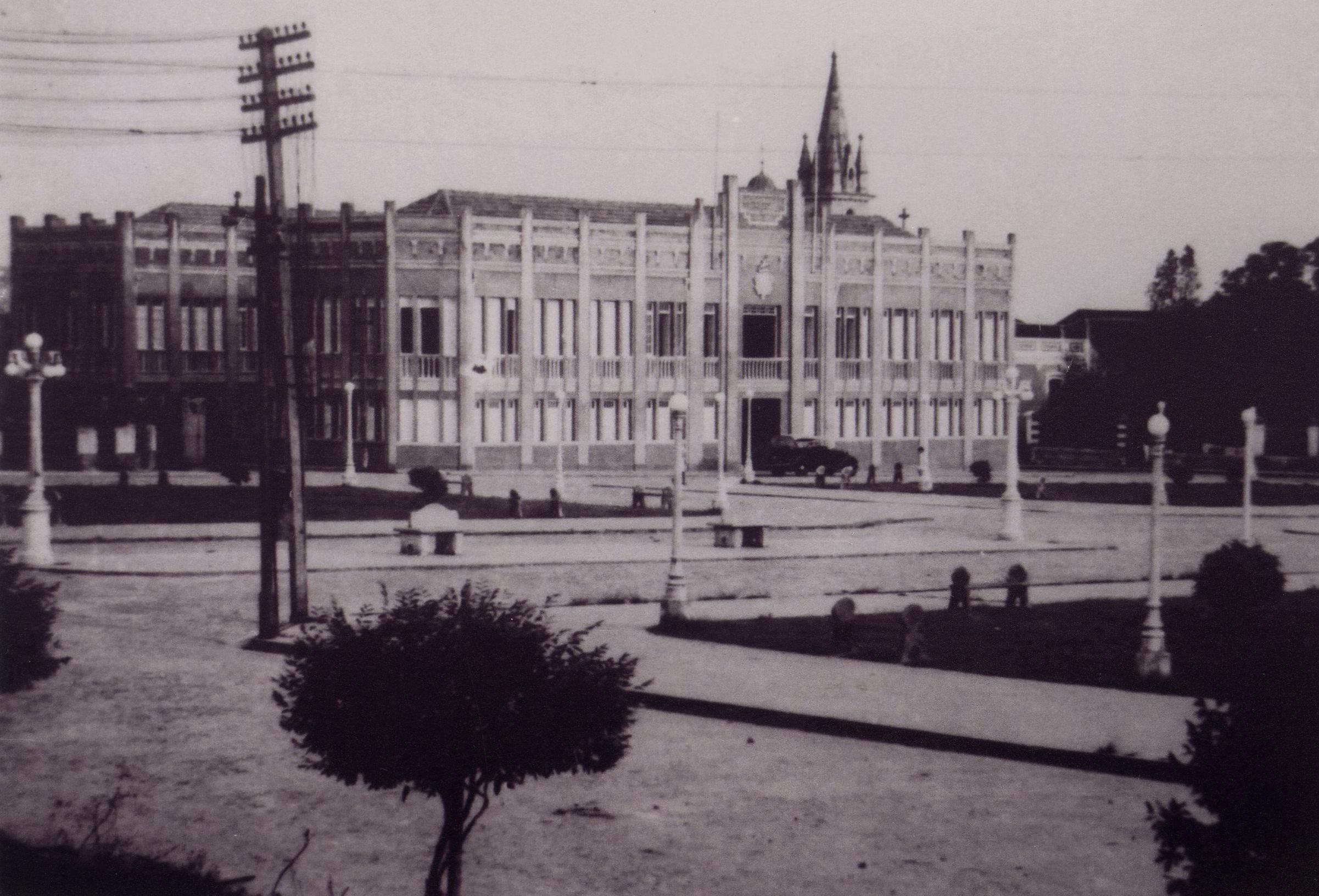 Prédio onde funcionou a Secretaria de Saúde - Instituto Durango Duarte