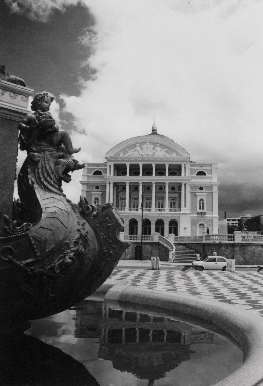 Monumento do Largo São Sebastião e o Teatro Amazonas - IDD